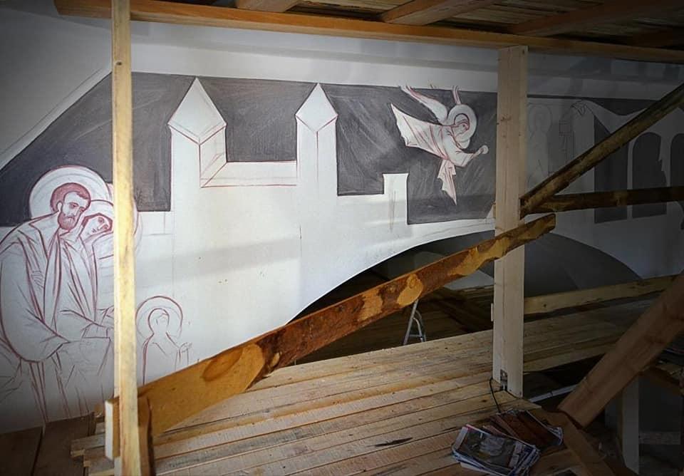 В храме Похвалы Пресвятой Богородицы в Дубне приступили к росписи стен