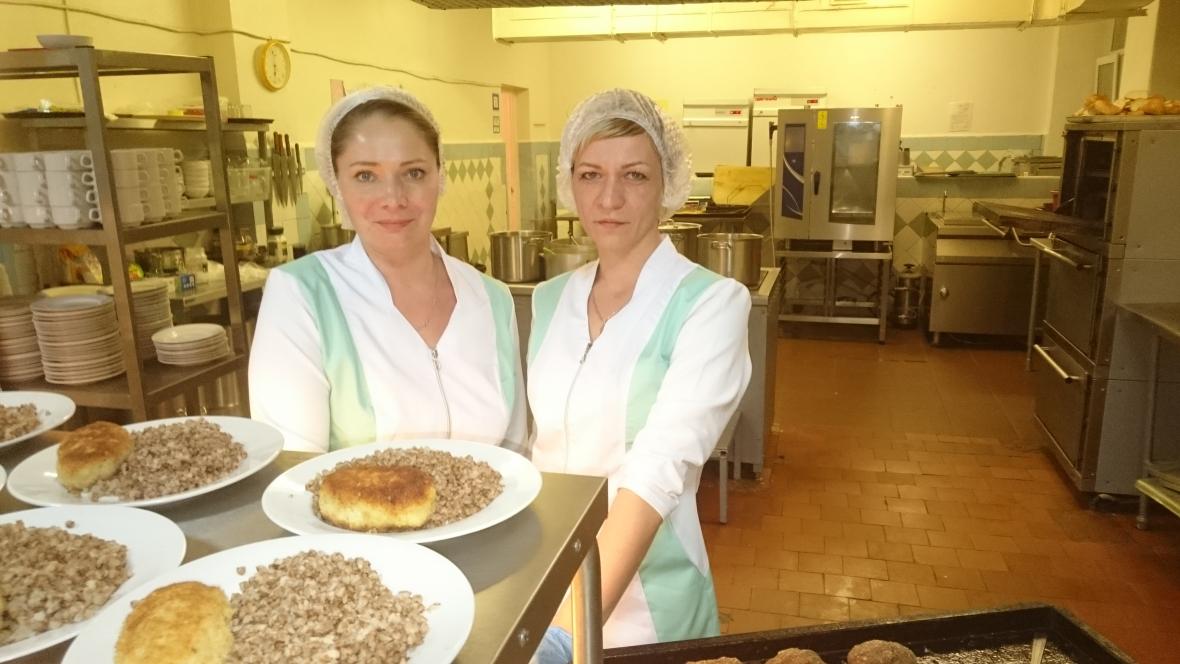 Повара Дубровина Ольга и Токмачёва Светлана