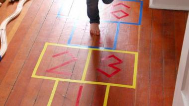 Какими активными играми можно занять ребенка